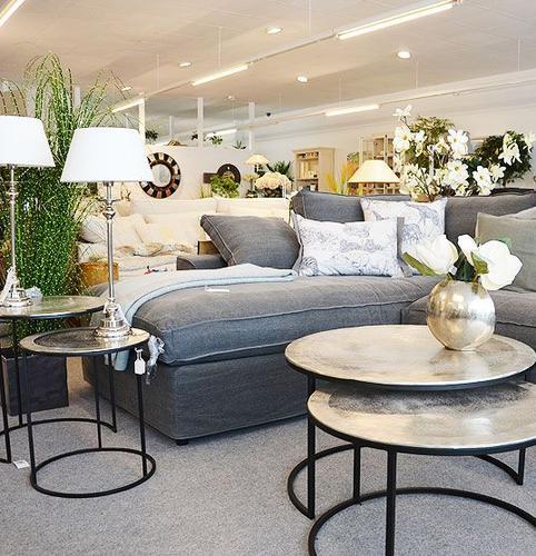 wohnzimmer-sofa-tisch