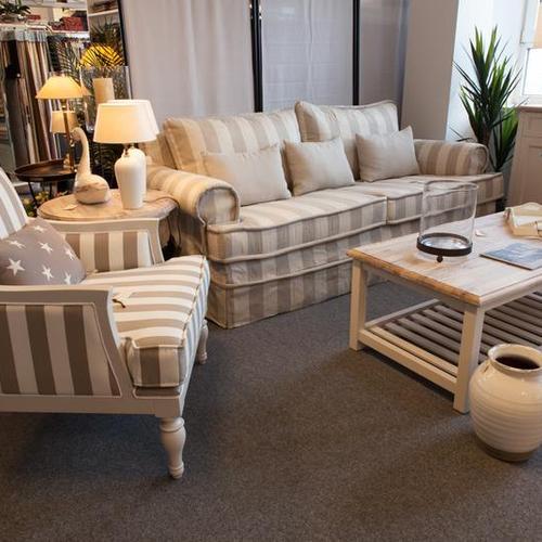 Sessel und passende Couch