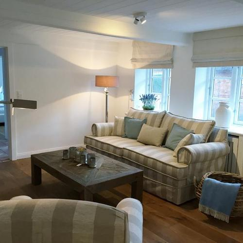 Sofa mit passendem Sessel